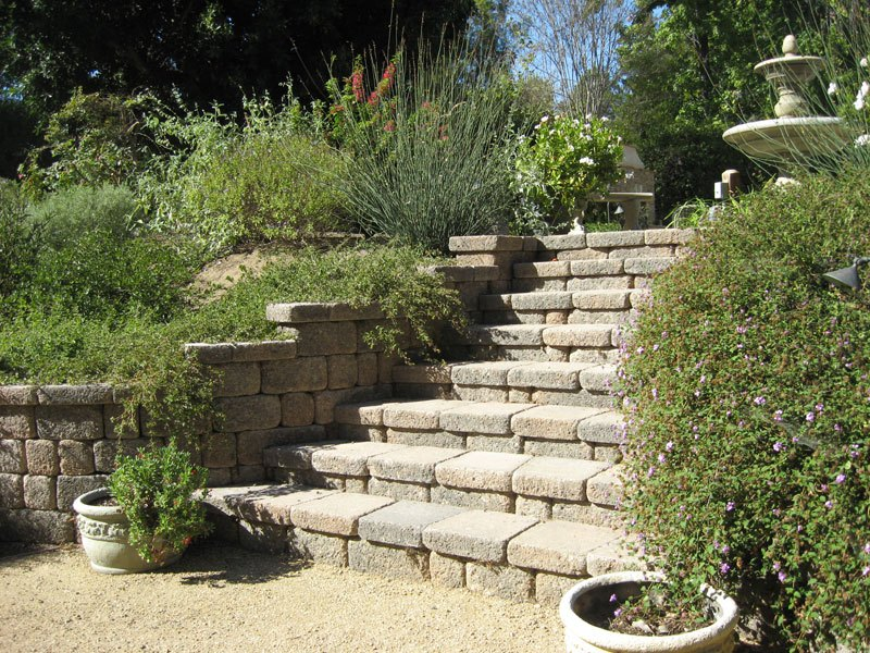 Today Orco Hardscapes Include Pavingstones Permeable Fireplace Kits Ovenortarless Wall